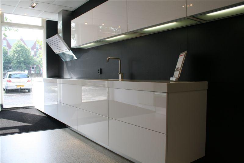 Rechte Design Keukens : Prachige strakke Italiaanse Design keuken ...