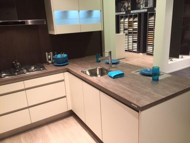 De voordeligste woonwinkel u keuken 55658 - Uitgeruste keuken met bar ...